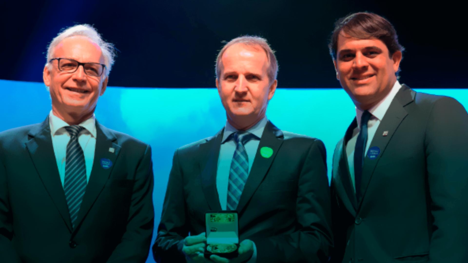 DOT digital group recebe medalha por empreendedorismo em Florianópolis